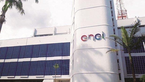 Produtores protestam e ENEL Goiás explica recadastramento