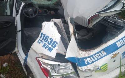Viatura da PM sai da pista em Iporá, policial foi socorrido e levado ao hospital