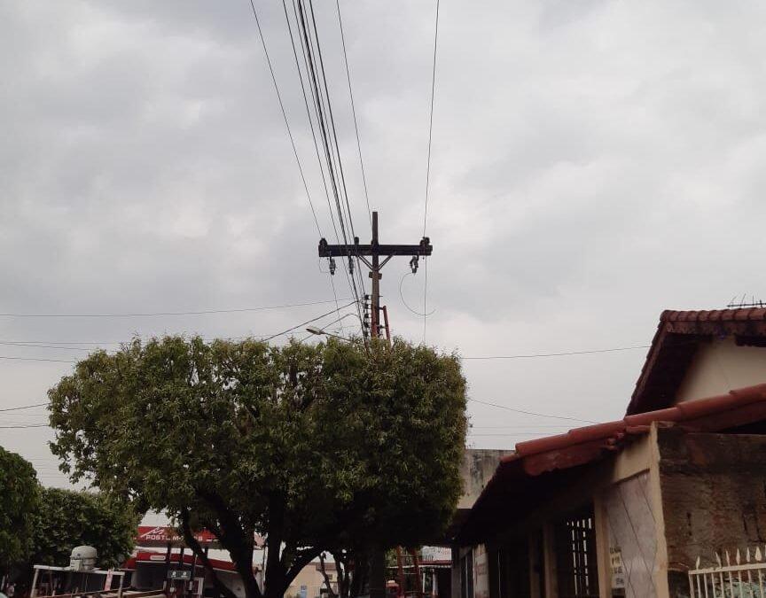 Chuvas trazem problemas de energia elétrica em São Luís de Montes Belos