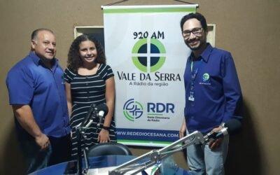 Programa Fora de Pauta da Vale da Serra conta com ouvinte na apresentação