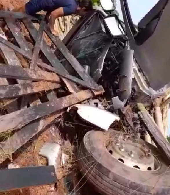 Motorista escapa ileso de grave acidente na GO-221 entre Iporá e Palestina de Goiás