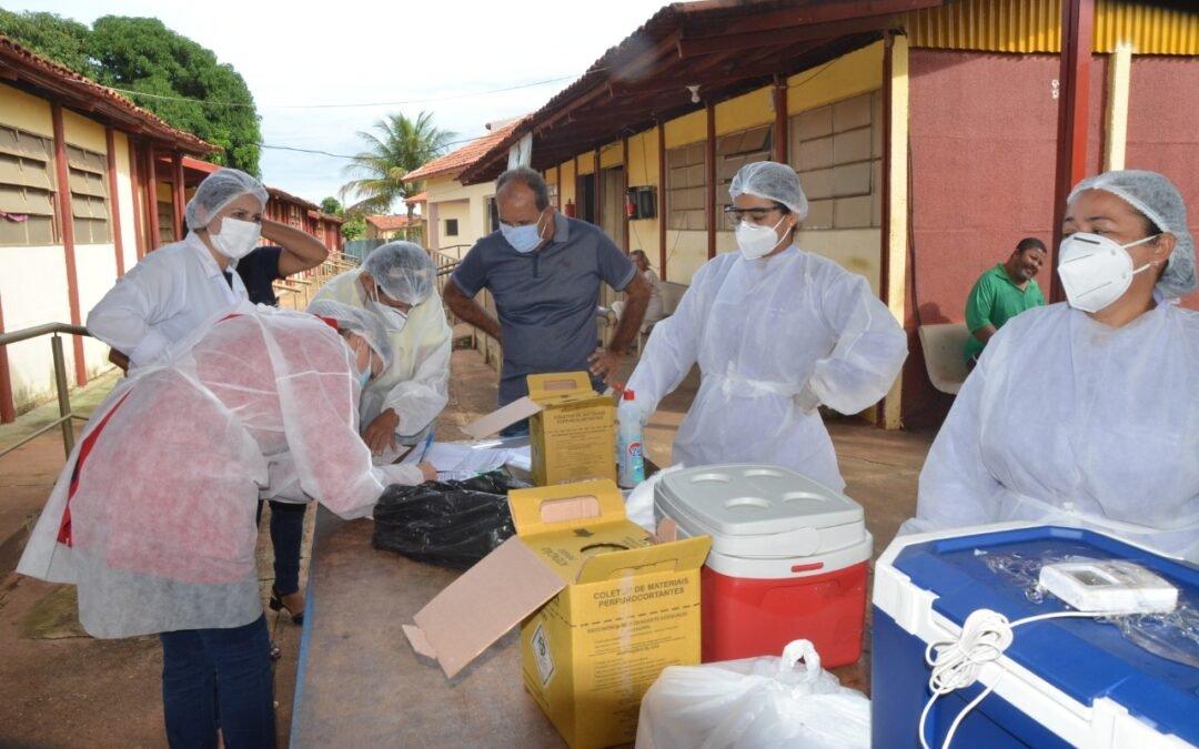 Homem de 84 anos é o primeiro a receber vacina do Coronavírus em Iporá
