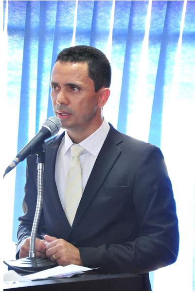 Prefeito de São Luís esclarece dúvidas sobre funcionamento do comércio