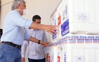 Governo de Goiás recebe número recorde de vacinas, 266 mil, nesta sexta-feira (02/04)