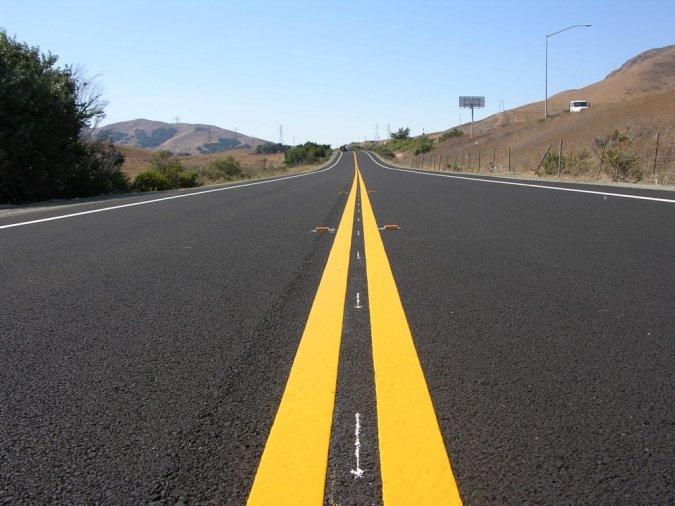 Governo de Goiás vai aos municípios com asfalto
