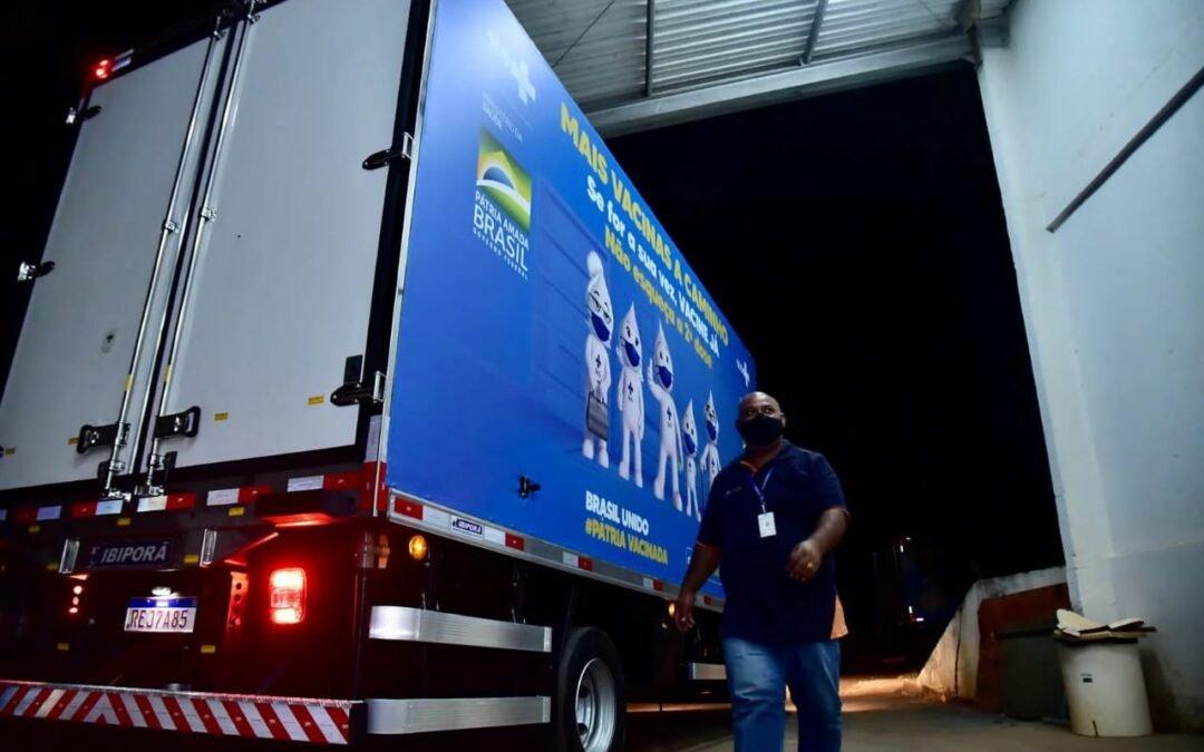 Goiás recebe novo carregamento de 121.250 doses da AstraZeneca: unidades fazem parte de remessa total de 268.430 imunobiológicos