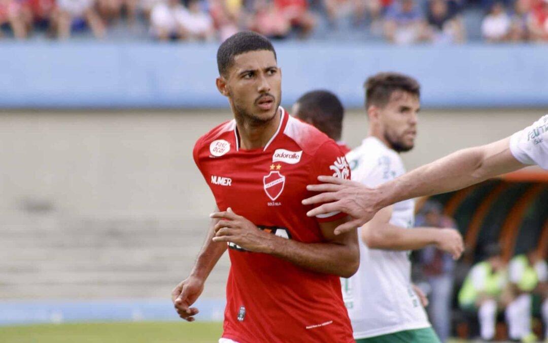 Futebol: Vila Nova faz no último minuto, vence e respira aliviado no Brasileiro