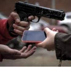 Operação das Policias Militar e Civil prende comerciante por receptação de celulares